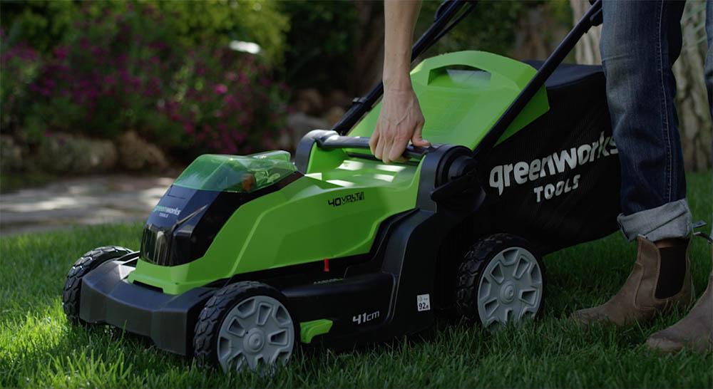 test tondeuse greenworks G40LM41